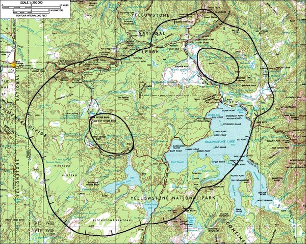 Fullsize Yellowstone Lake Topographic Map